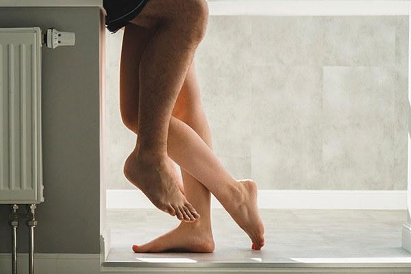 Sexo na casa de banho pública