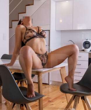 Acompanhante Carolina Alves